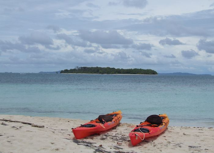 Sea Kayaking, Zapatilla Cayes