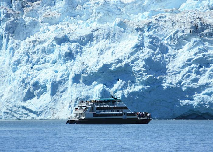Glacier cruising, Kenai Fjords National Park