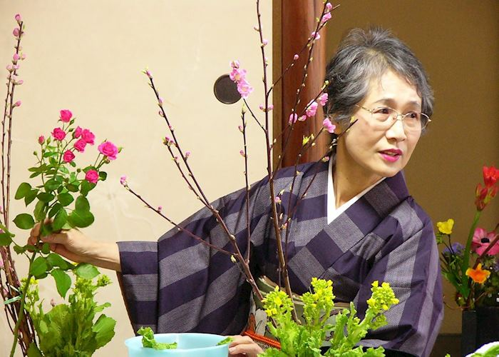 Ikebana teacher, Traditional Pastime Course