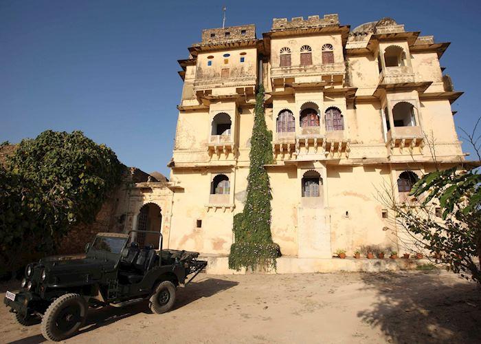 Bhainsrorgarh Fort Hotel, Bhainsrorgarh