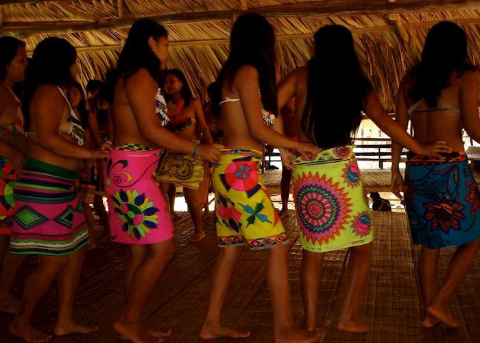 Embera girls, Panama