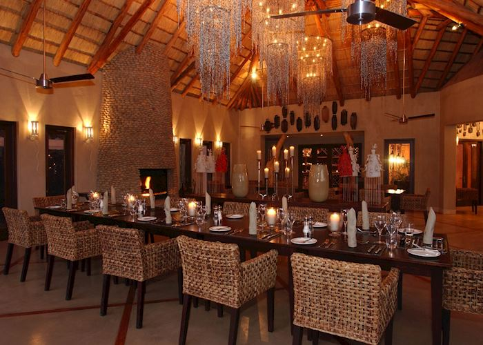 Dining room. Thanda Main Lodge, Thanda Private Reserve