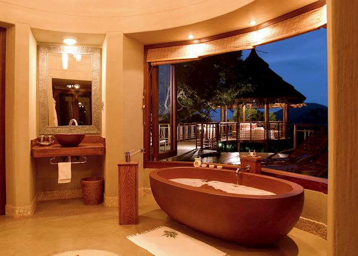 Bathroom, Thanda Main Lodge, Thanda Private Reserve