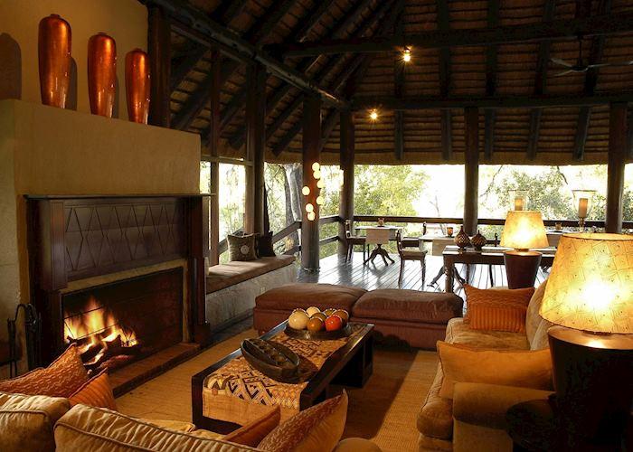 Lounge. Sabi Sabi - Little Bush Camp, The Sabi Sand Wildtuin