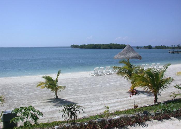 Beach at Turquiose Bay, Roatan