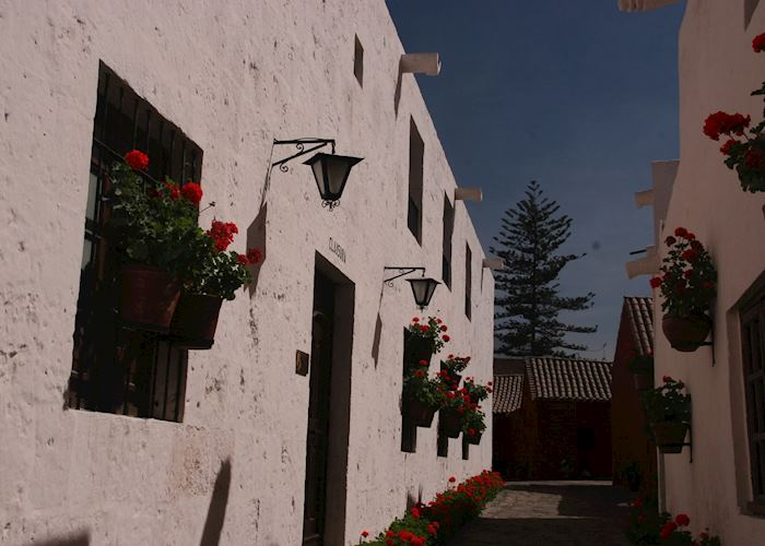 Small alleys in the Santa Catalina Convent