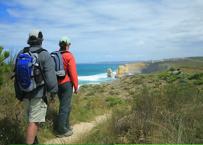 Approach to the Twelve Apostles, Great Ocean Walk with Bothfeet