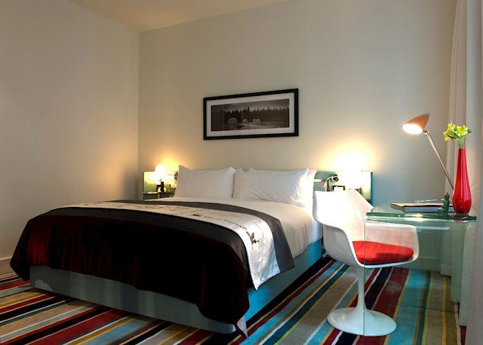 Classic room, Hotel DeBrett, Auckland
