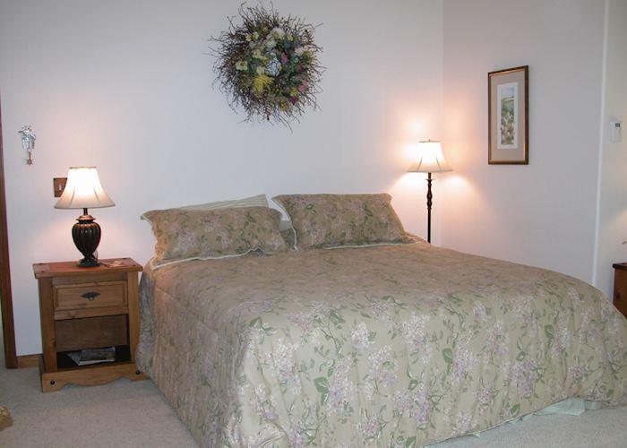 Standard room, Tern Lake Inn, Cooper Landing