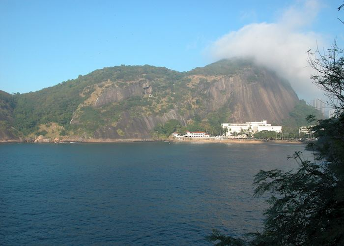 Pista Claudio Coutinho walk at the base of Sugarloaf Mountain, with views to Urca district
