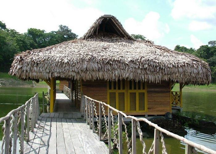 Uakari Floating Lodge