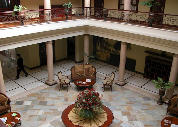 Hotel Victoria, Loja