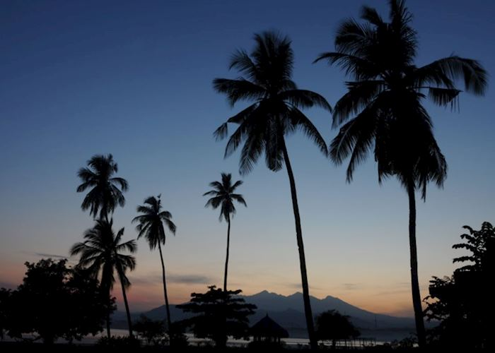 Sire Beach at sunrise with Mount Rinjani in the background, Lombok