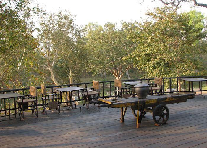 Open air dinning options at Banjaar Tola, Kanha