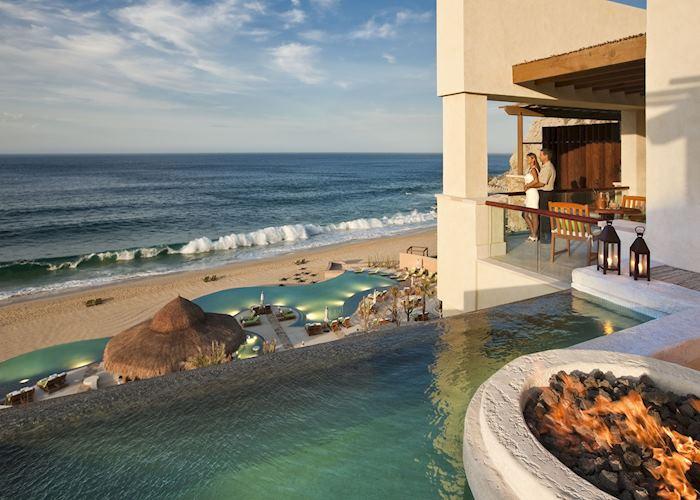 One bedroom Estrella Suite Balcony and Infinity edge pool