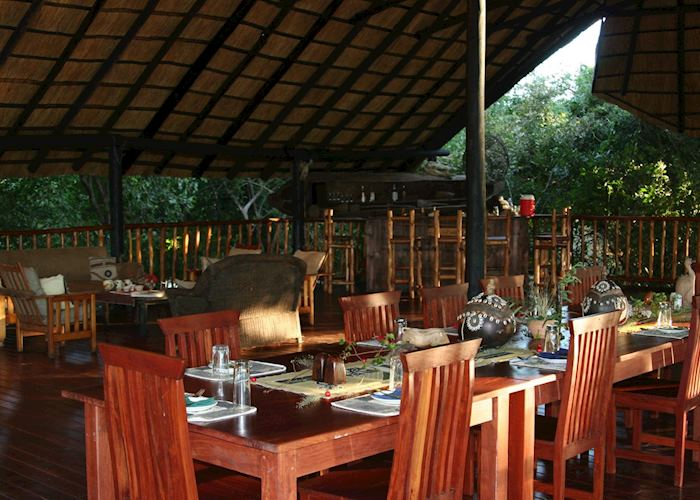 The dining room at Vundu Camp