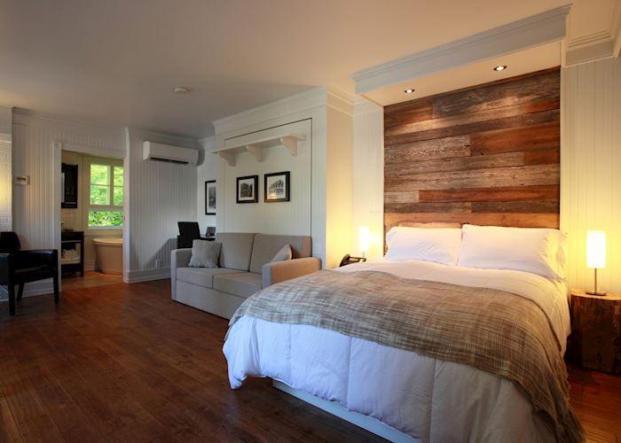 Guest room, Val Jalbert Village Historique, Chambord