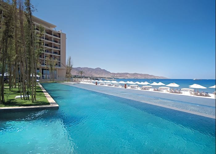Swimming Pool & Beach Kempinski Aqaba