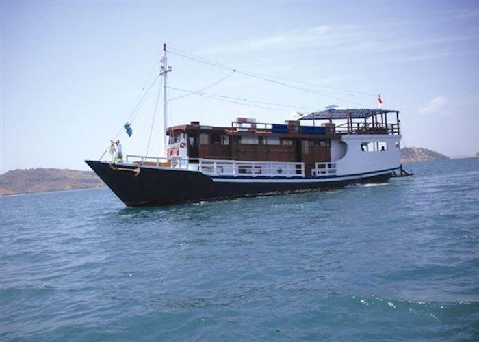 MV Nusa Tara, Labuan Bajo