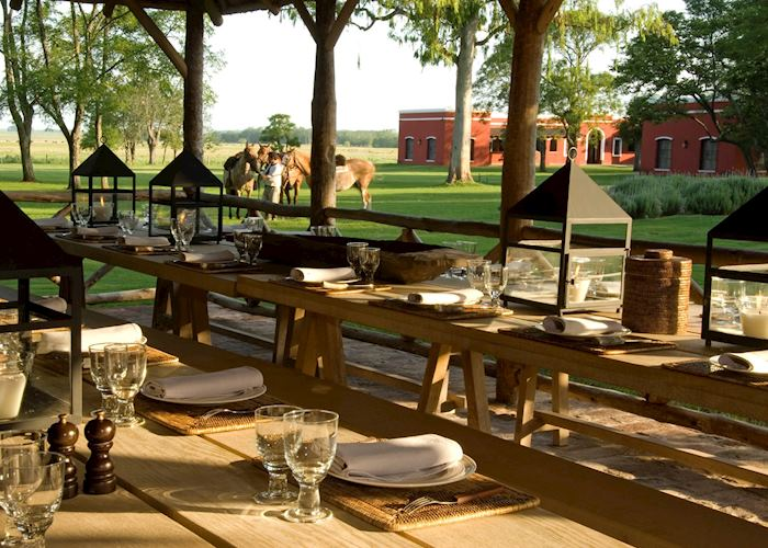 Outdoor lunch at Estancia La Bamba
