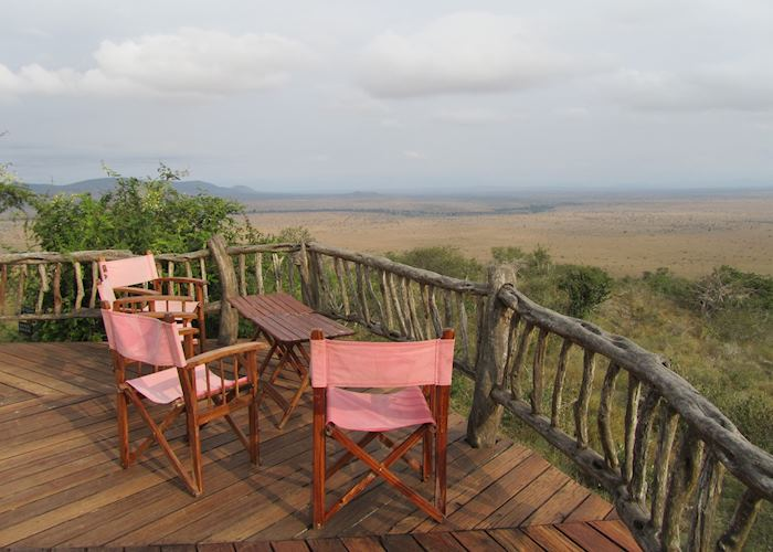 Lions Bluff,Tsavo West