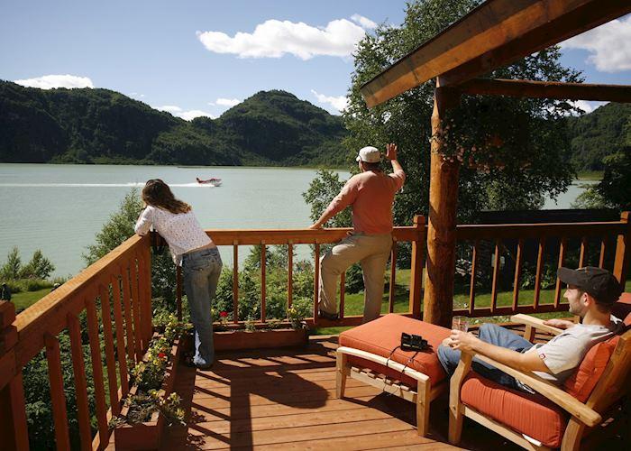 Redoubt Bay Lodge, Redoubt Bay