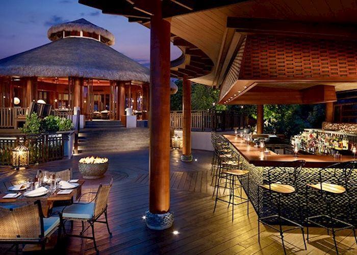 Bar Area, Shangri-La's Boracay Resort and Spa, Boracay