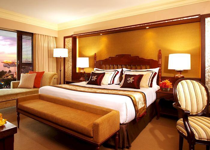 Large Superior Deluxe, Manila Hotel, Manila