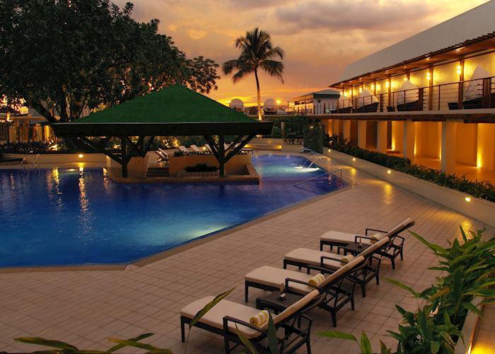 Manila Hotel, Manila