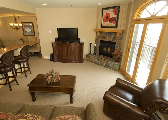 Bear Creek Lodge condominium sitting room