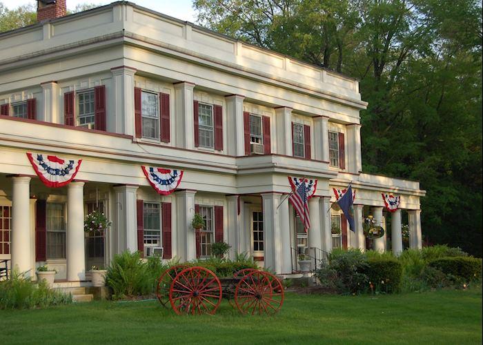 The Arlington Inn, Arlington