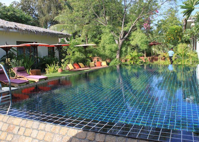 Pool, Blue Bird, Bagan