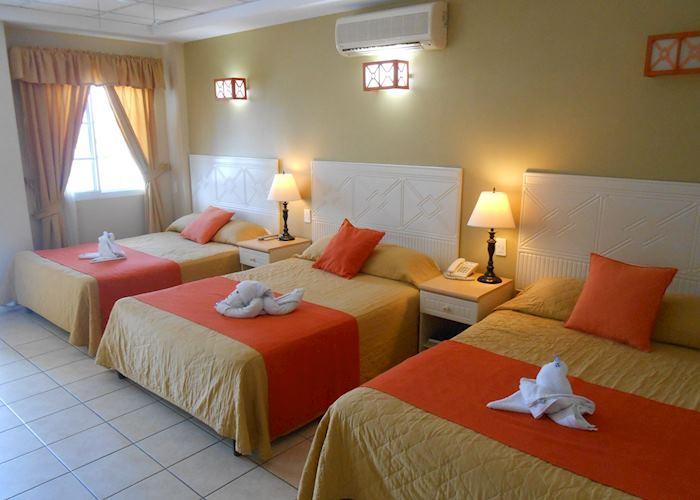 Triple Room, Casona del Lago, Flores