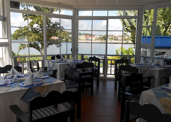 Restaurant with lake view, Casona Del Lago, Flores