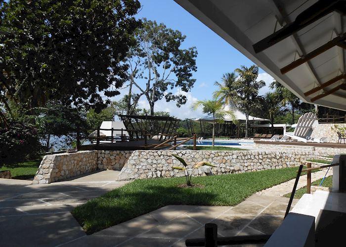 Garden area, Villa Maya, Flores