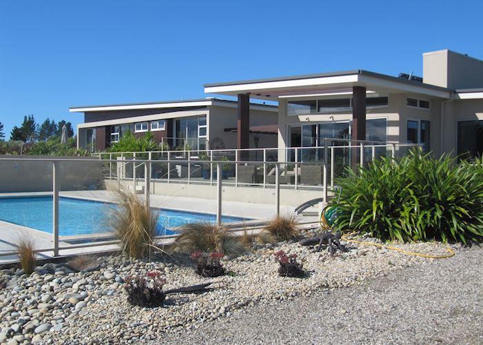 Almyra Waterfront Apartment, Abel Tasman National Park