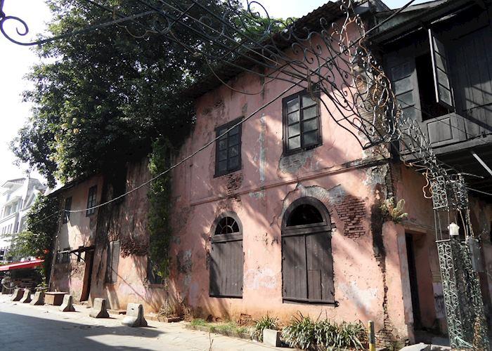 Dilapidated building Jakarta