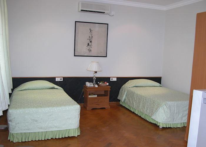 Deluxe room, Mandalay City Hotel, Mandalay