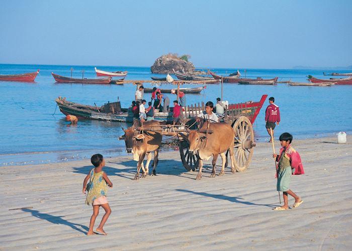 Daily life on Ngapali beach, Burma (Myanmar)