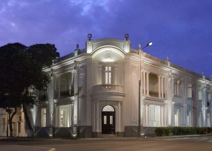 Hotel B,Lima
