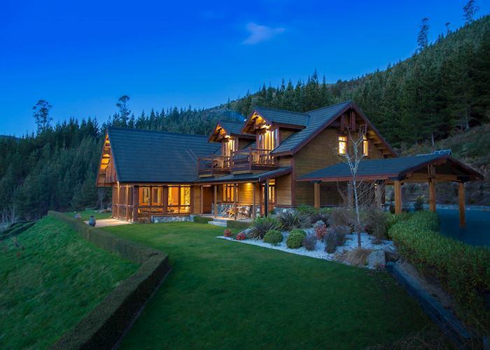 StoneFly Lodge