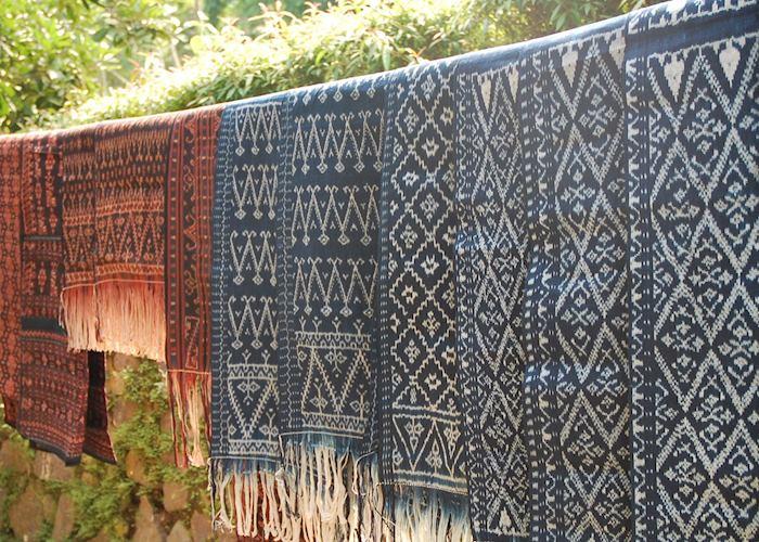 Ikat weaving, Ndona near Ende