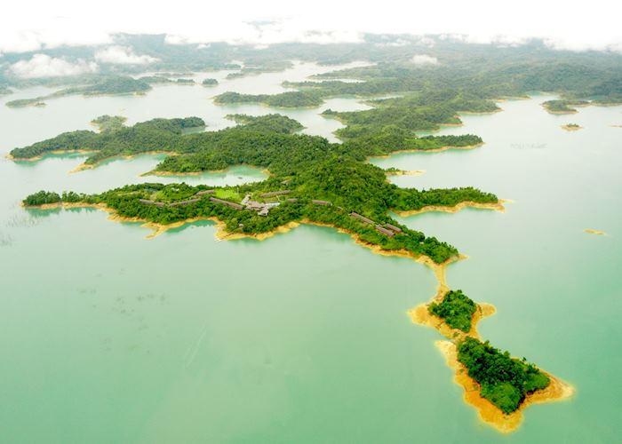 Batang Ai Peninsula, Batang Ai Longhouse Resort (Hilton),Batang Ai