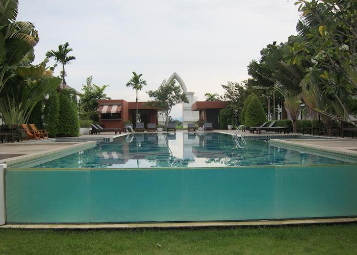 Sukhothai Treasure, Sukhothai