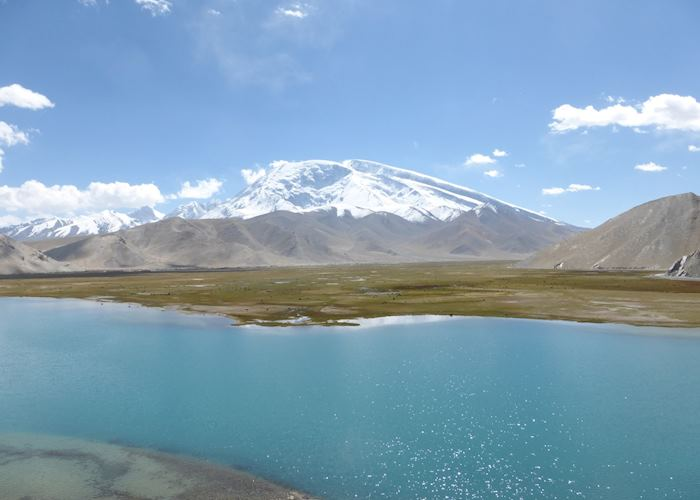 Lake Karakul & Mt. Mutzagata