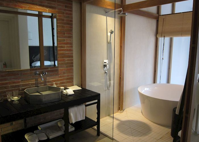 Bathroom, Deluxe Riverview Terrace, Sala Ayuthaya