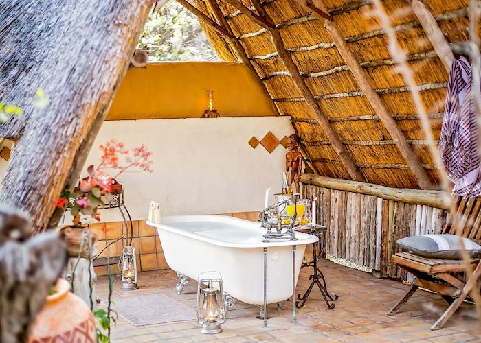 Outdoor bath in the honeymoon tent at The Hide