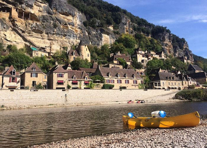 Canoeing on the river, La Roque-Gageac, Dordogne