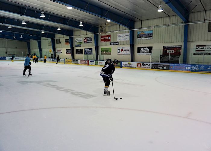 Canadian ice hockey player experience , Canmore