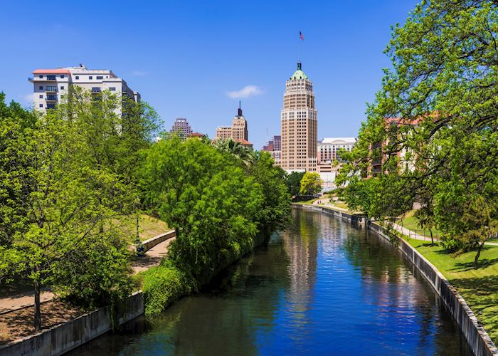 Riverwalk San Antonio Texas skyline,